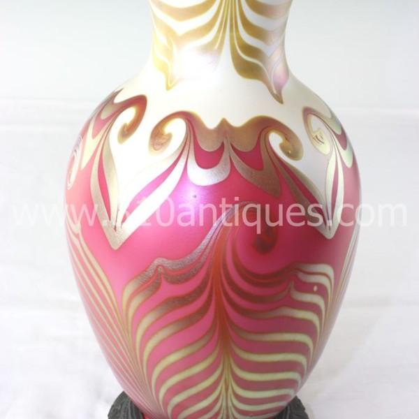 Le passe a nouveau 310 antiques bryan abbott a quezal decorated king tut style art glass table lamp aloadofball Images