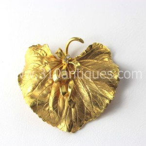 Art Nouveau Leaf and Ribbon Brooch and Earrings 18kt Gold (3)
