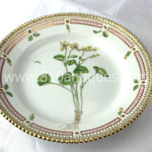 Royal Copenhagen Flora Danica pattern China Porcelain Salad Plate  20 3693 Viola Ciflora (2)