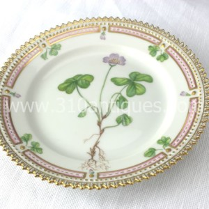 Royal Copenhagen Flora Danica pattern China Porcelain Small Dish 20 355L Oxalis Acetosella (1)
