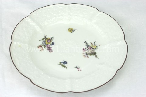 Meissen Molded Floral Soup Bowl 18th century 1 (2)