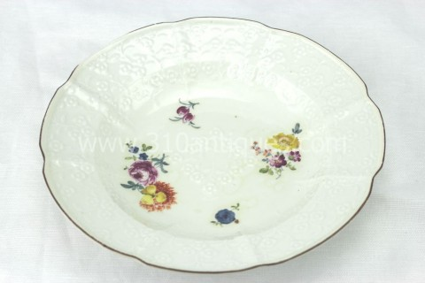 Meissen Molded Floral Soup Bowl 18th century 10 (2)