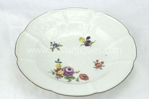 Meissen Molded Floral Soup Bowl 18th century 4 (2)
