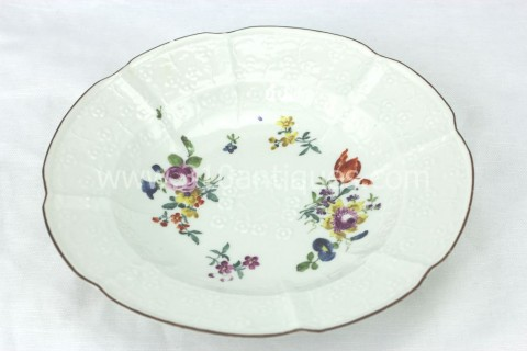 Meissen Molded Floral Soup Bowl 18th century 6 (2)